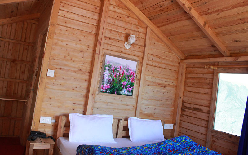 Bed Room : Blue Poppy ski Resort at Auli